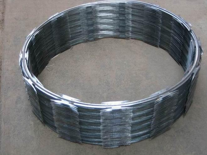 Easily Assembled Barbed Wire with Moderate Price & Reliable Quality