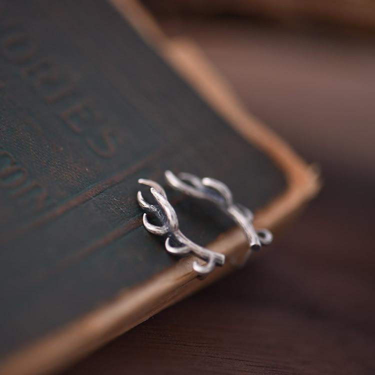 Lightweight 925 Sterling Silver Deer Earrings Antique Silvertone