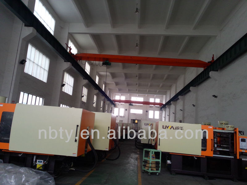 full digital plastic hanger making injection molding machine