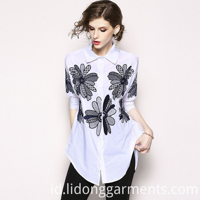 Loose Embroidery Blouse
