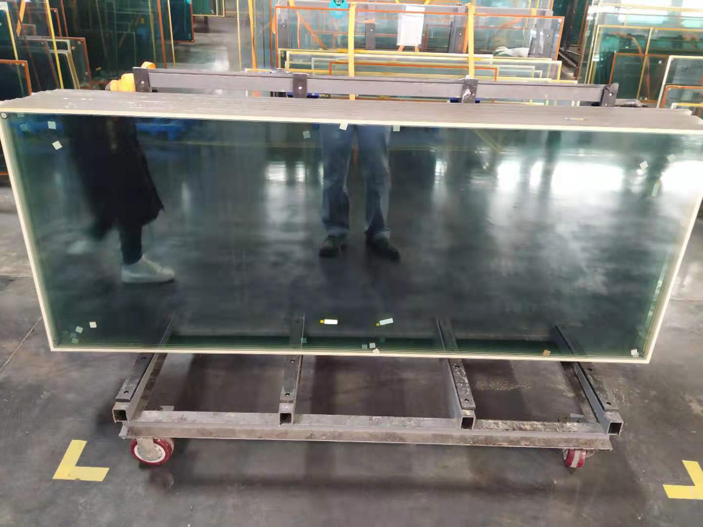 Low-E Vacuum Insulated Glass