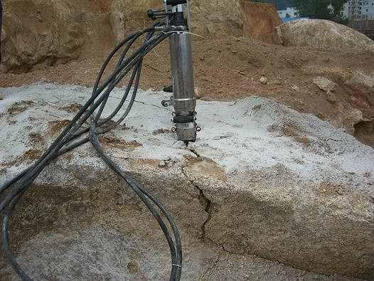 Diesel Driven Hydraulic Splitters for Granite Rock