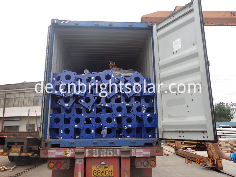 solar streetlight loading container