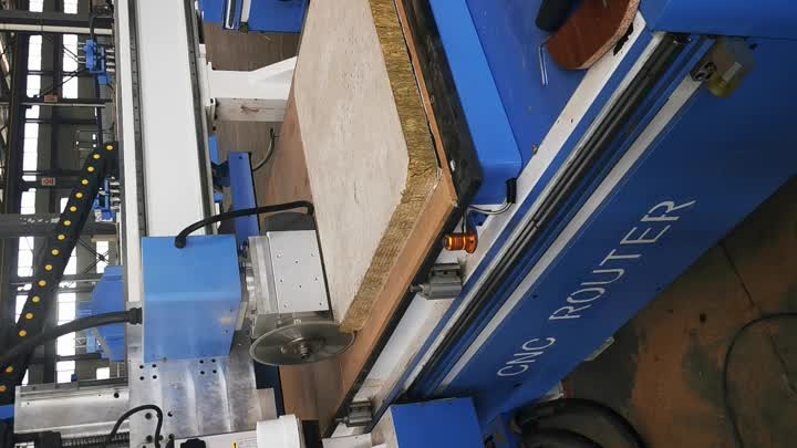 cnc router with cutting saw.mp4