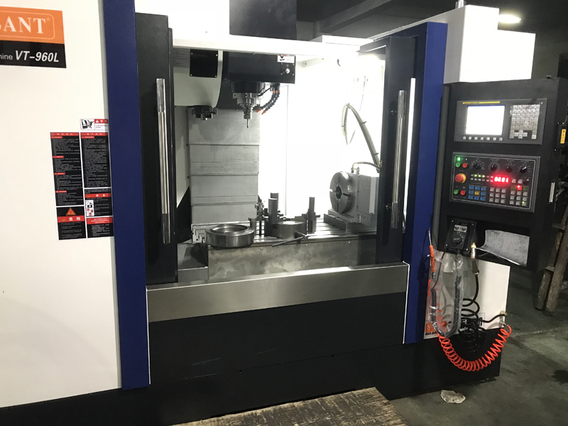 CNC MACHINING CENTER WITH 4TH AXIS ROTARY TABLE