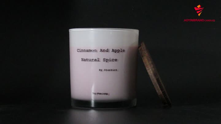 scented glass jar candle (1).mp4