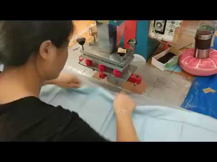 how to do inflatable toy by high frequency welding machine.mp4