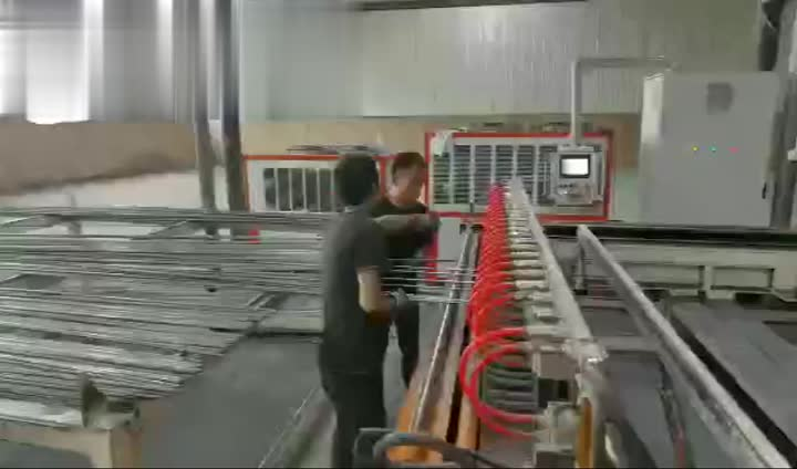 Wire mesh welding line -G1.mp4