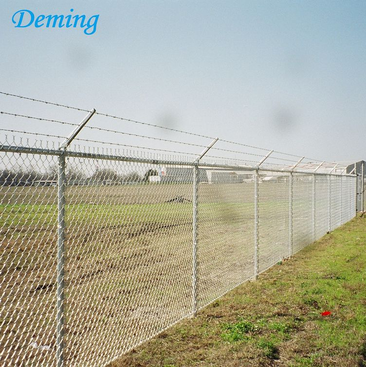 Galvanized chain link fence fabric