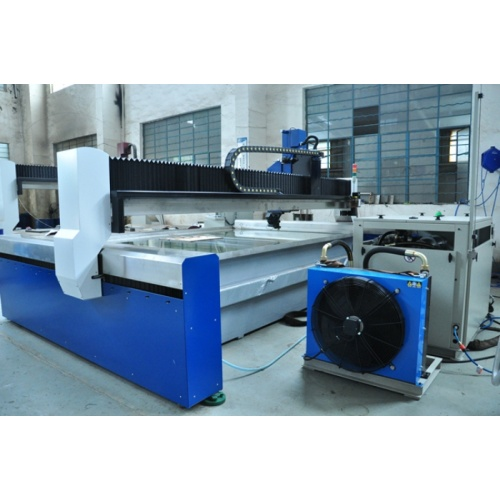 Water cutting machine With high pressure pump