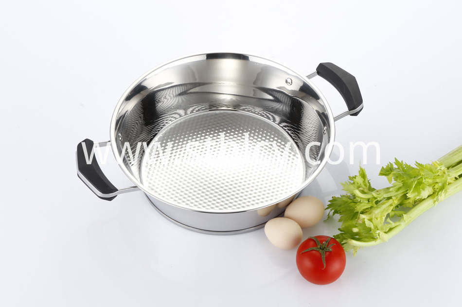 Sauce Pot With Handle