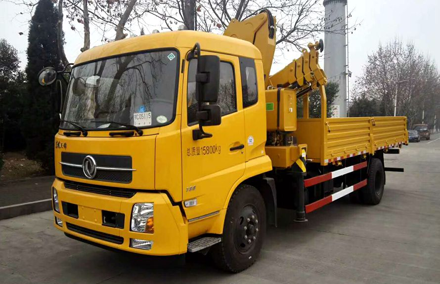 top lift crane trucks