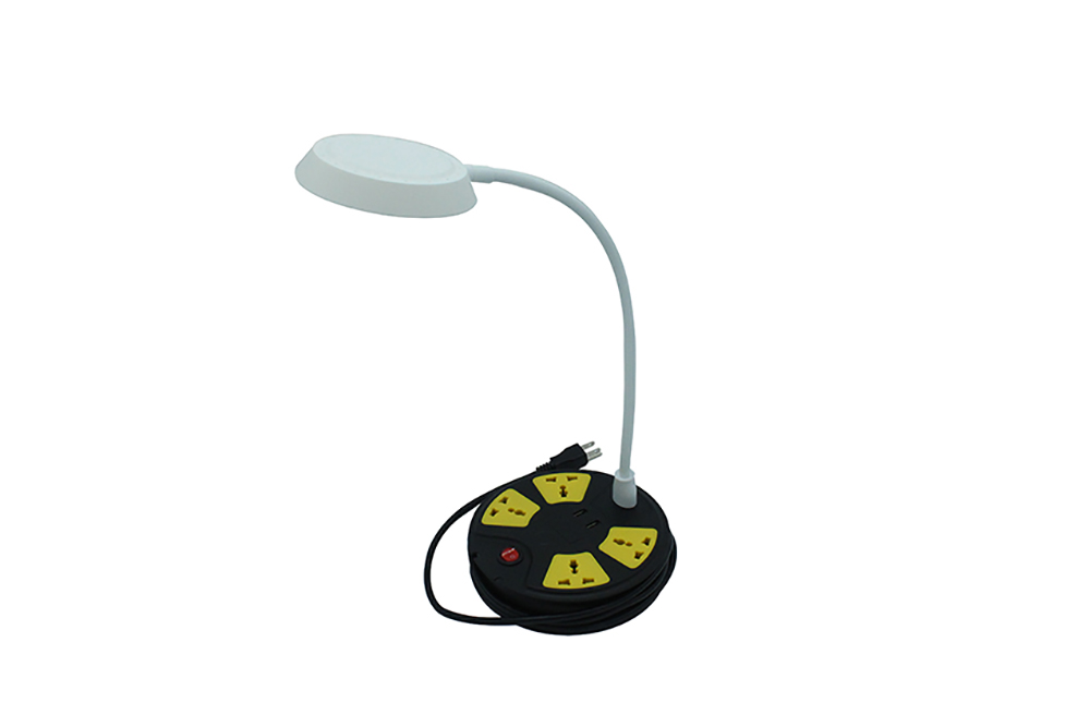 4-Outlet Universal extension cord LED Lamp