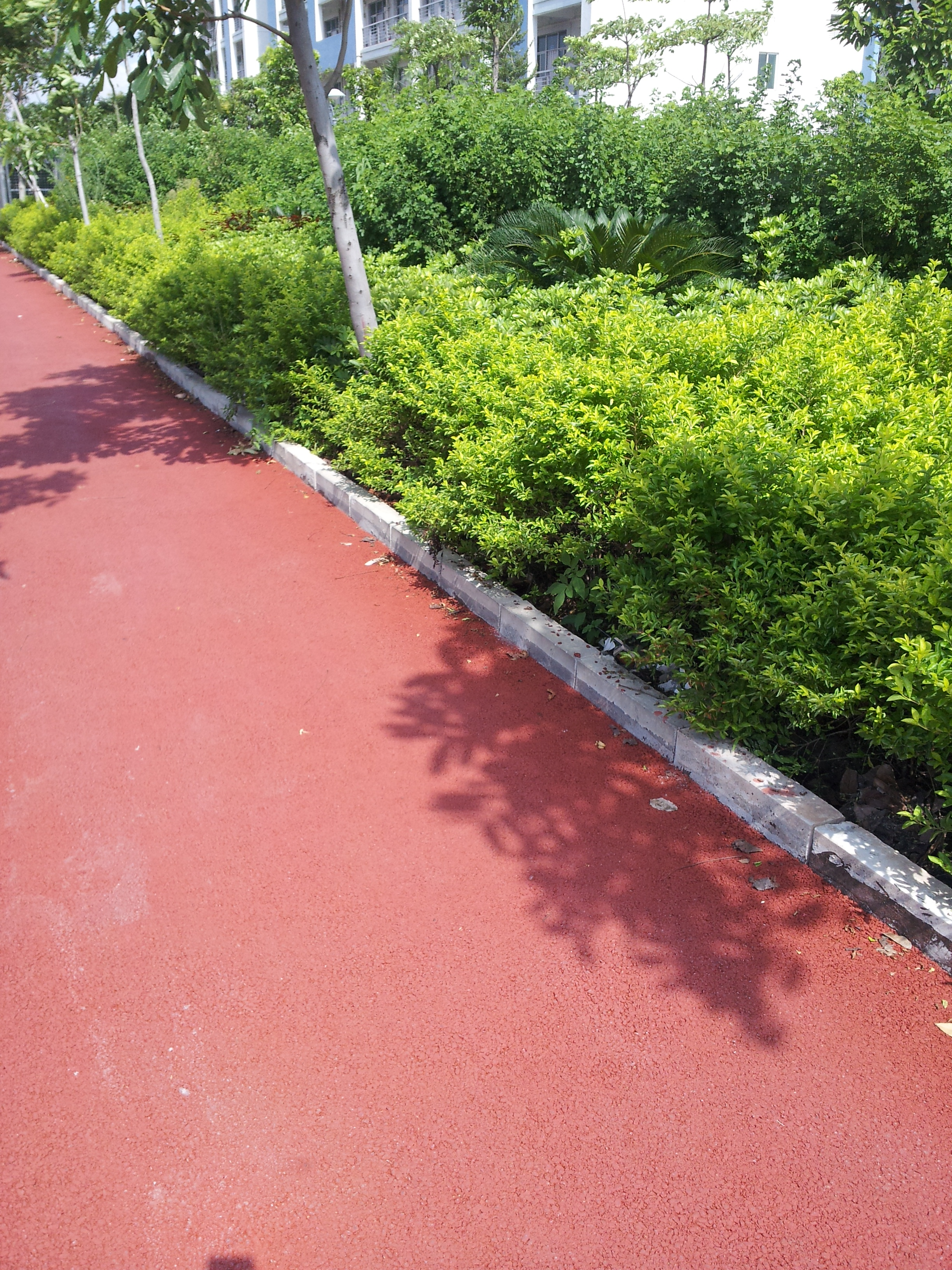 Red permeable floor