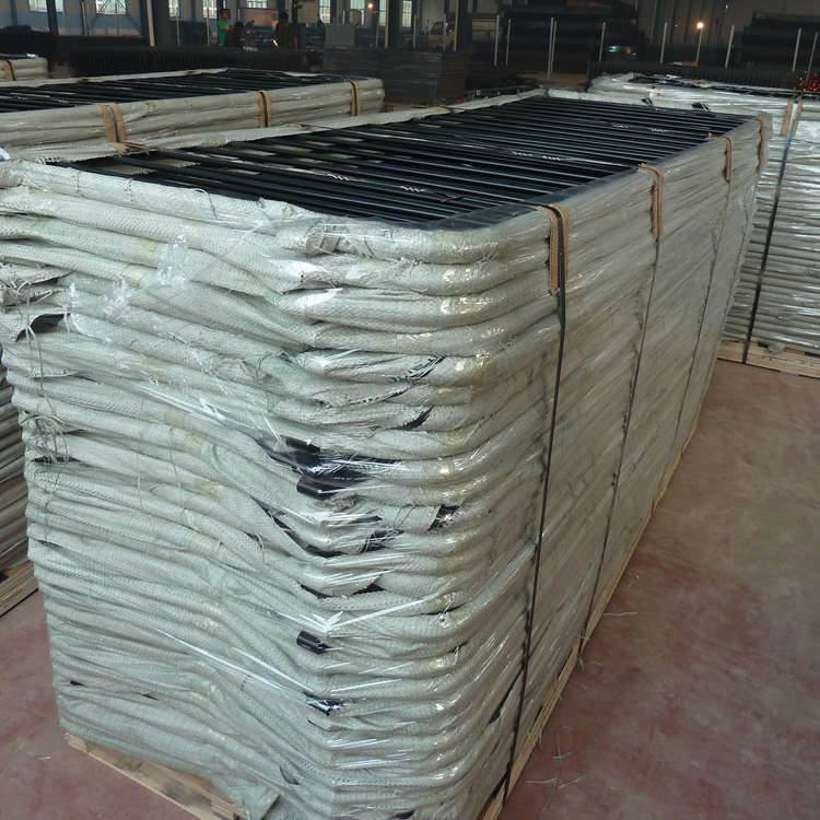 2.0mSafety Galvanized Steel Mobile Metal Road Barrier