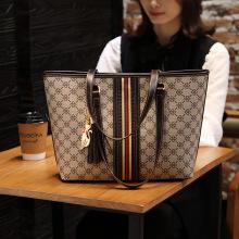 Brand Designer Women Single Shoulder Bag Large Capacity Tassel Bucket Handbag High Quality Pvc Leather Totes Shopping Bag Flower