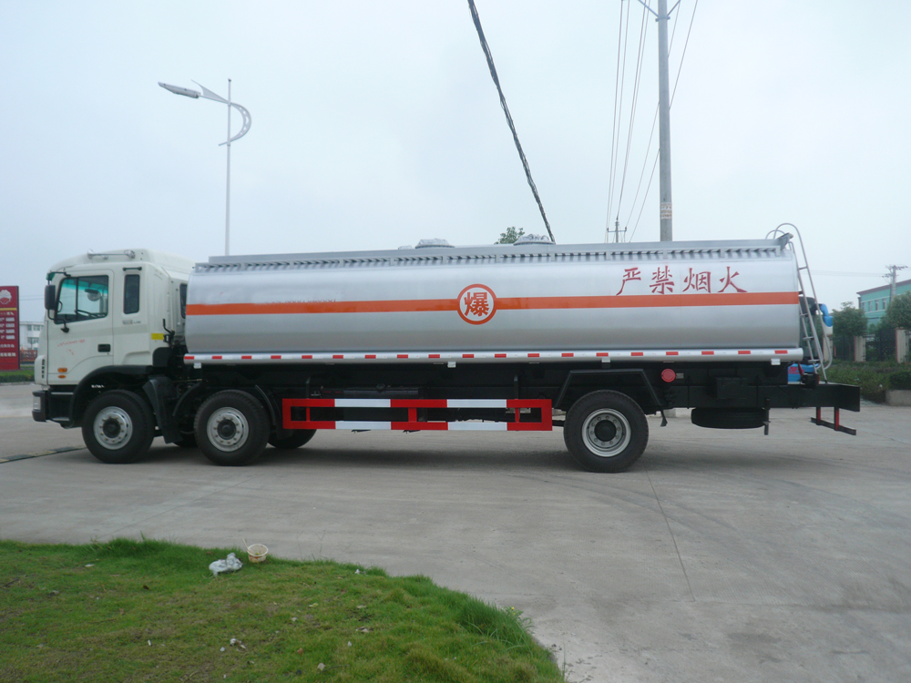 petrol dispenser truck 2