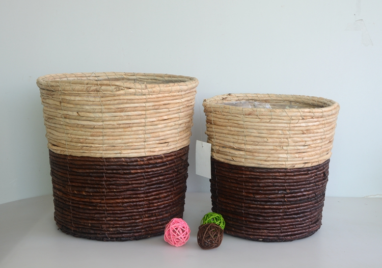 Round two-tone maize rope handicraft basket