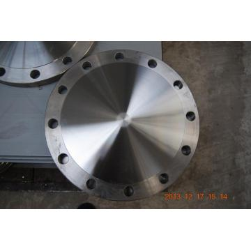 Blind flange with standard or non-standard