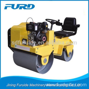 Diesel Soil Road Compact Roller for Sale (FYL-850)