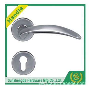 SZD SLH-055SS Modern Looking Valve Lever Door Handle On Rose