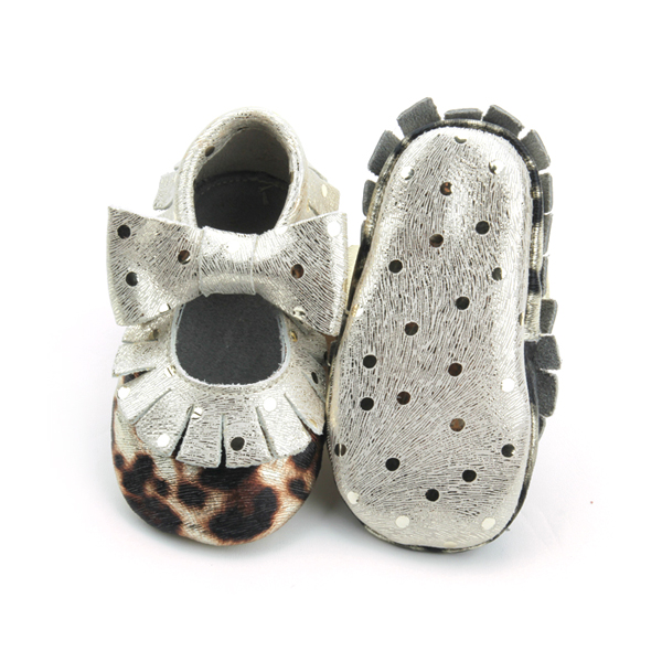 Leopard Bow Girls Moccasins