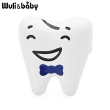 Wuli&baby Red Blue Smiling Tooth Brooches Women Enamel Healthy Teeth Dentist Casual Party Brooch Pins Gifts