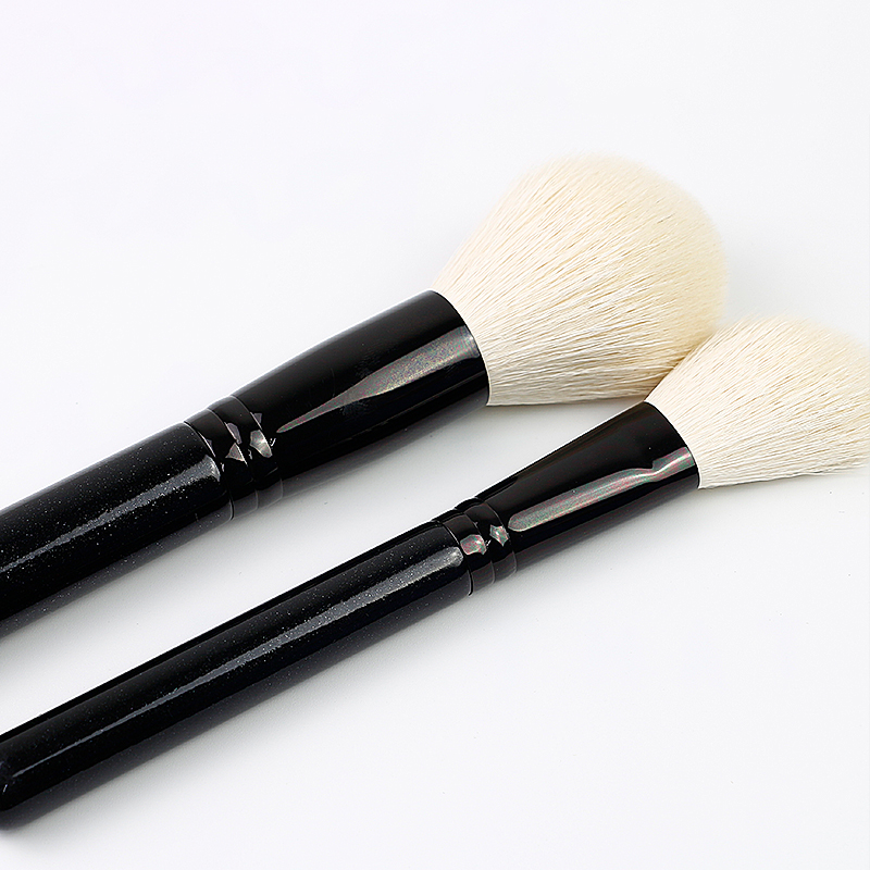 animal hair makeup brush