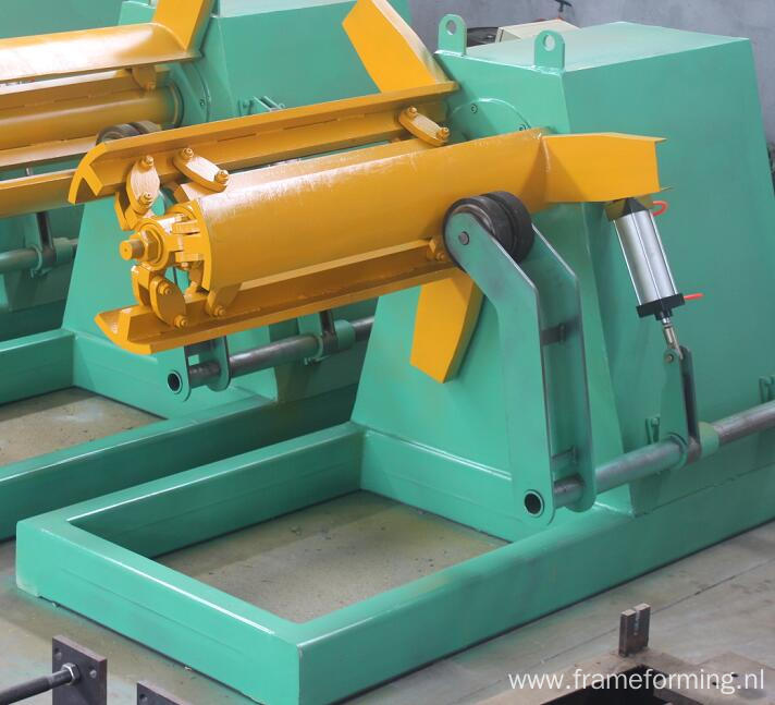 Light duty warehouse pillar roll forming machine