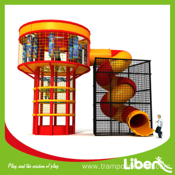Trampoline climbing tower with spider tower