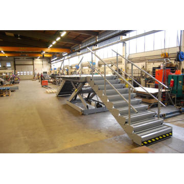 Scissor lift with extendable  table