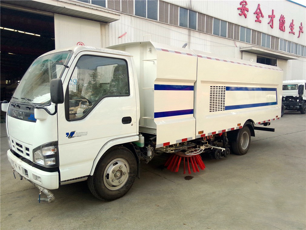 sweeper vacuum road truck 2