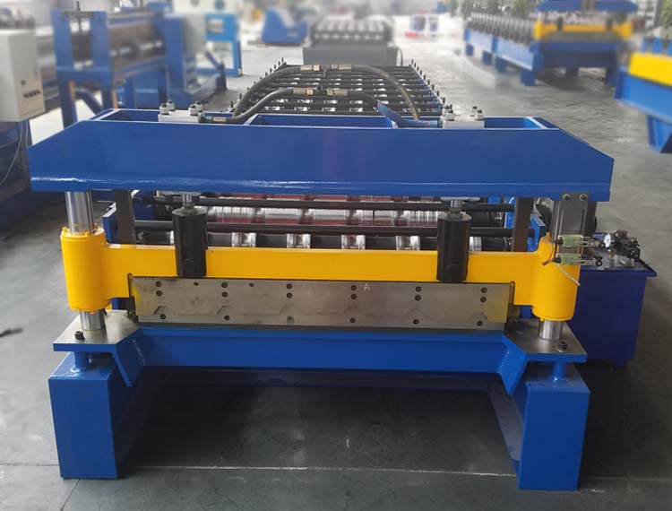 roof forming machine