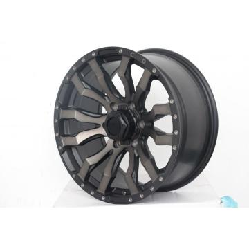 Black or Silver alloy wheel