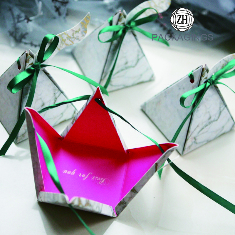 Wholesale Triangle Pyramid Candy Boxes Custom