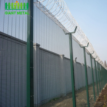 High security 358 anti-climb fencing