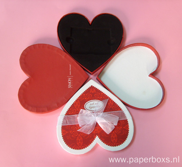 Empty Heart Shape Gift Box With Ribbon