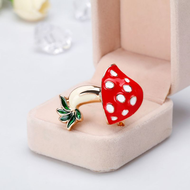 1PC Mushroom Brooch Women Enamel Charms Jewelry Party Badge Banquet Scarf Pins Chrismas Gift jewelry Accessories Wholesale W77