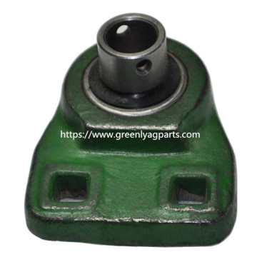 AB16787 Cotton planters closing wheel bearing and casting