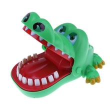 1Pcs fashion Large Crocodile Mouth Dentist Bite Finger Game Funny Novelty Gag Toys for Kids Children Play Fun 2020 hot sale