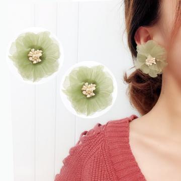 Korean Immortal Vintage Lace Olive Green Flower Clip Earrings No Piercing Fresh Soft Chiffon Flower Earrings Ear Clip Female