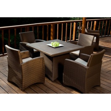 Pakyawan na Rattan Wicker Dining Set