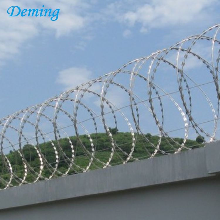 Stainless steel concertina razor barbed wire price