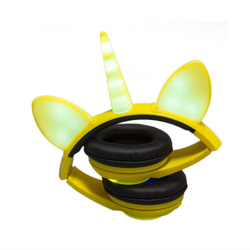 Cute oem mp3 player wired stereo headphone