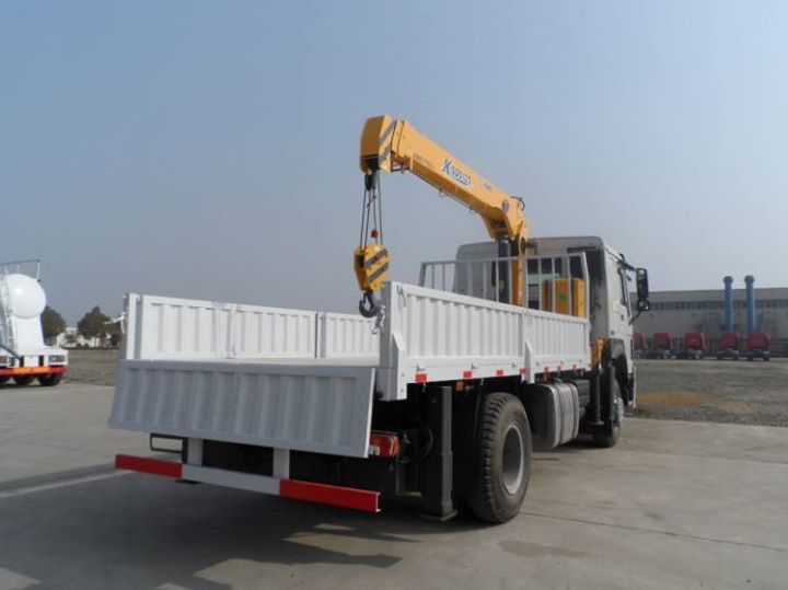 Cargo Truck Mounted Crane 2t