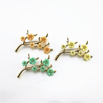 New European and American style autumn and winter beautiful fresh plum delicate fashion brooch female