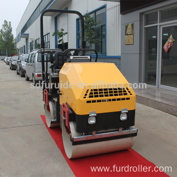 Three Cylinder Diesel Engine Vibrating Roller With 2 ton Weight (FYL-900 )