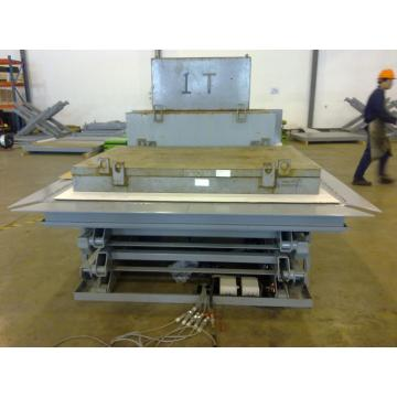Warehouse hydraulic lift platfor