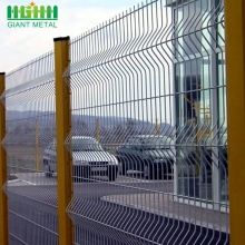 Welded Wire Mesh Fence With Triangle Bending Fence