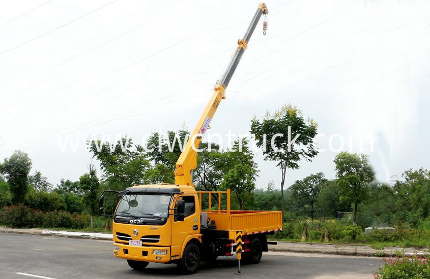 lorry mounted crane 2tons 1